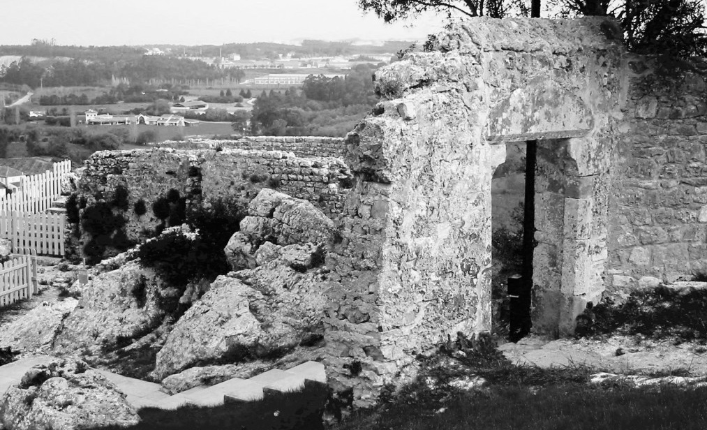 "Roman site in Óbidos, the name probably derived from Latin term oppidum, meaning ""citadel"" or ""fortified city."" The municipality had its origin in an early Roman settlement near the foothills of an elevated escarpment."