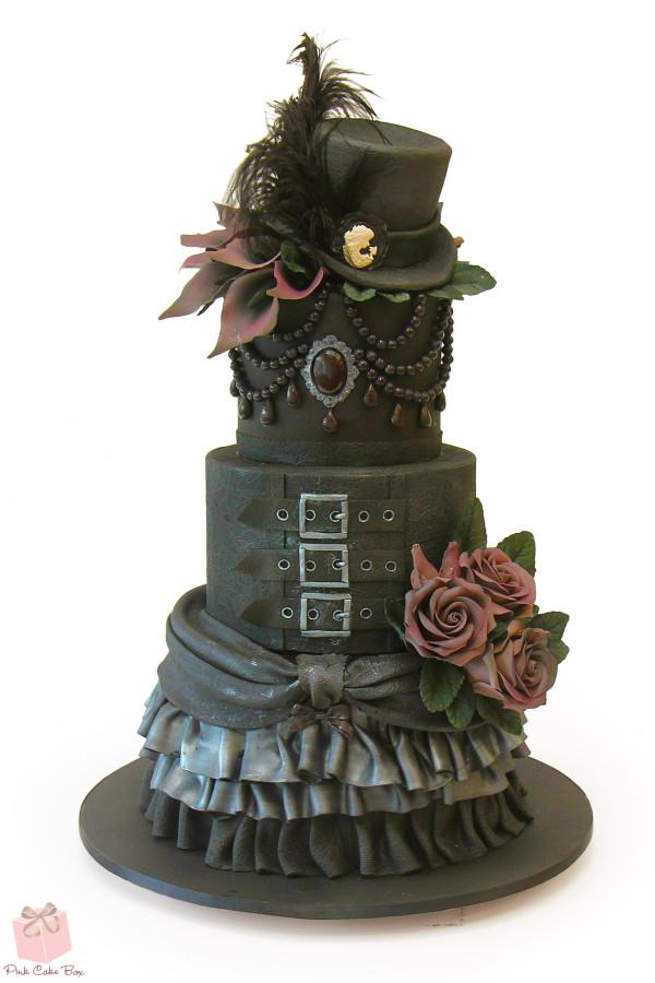 gothic-birthday-cake2938-600x900